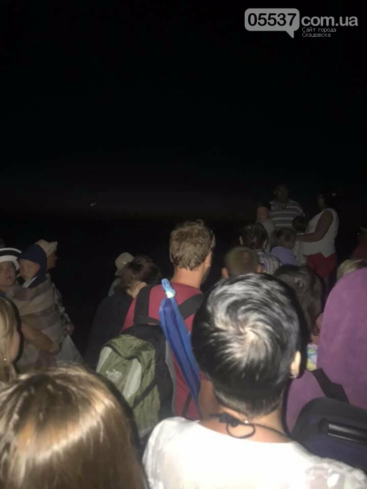 Вчера больше сотни туристов оказались заблокированы на Джарылгаче, фото-1