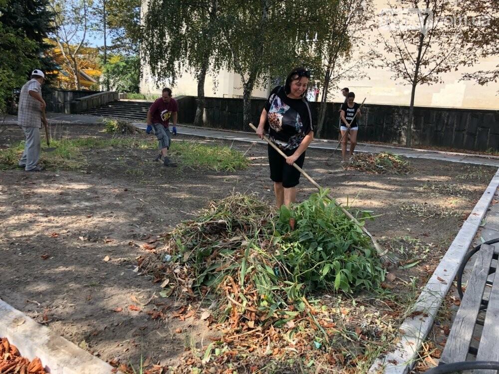 В Скадовске продолжается «генеральная уборка», фото-2