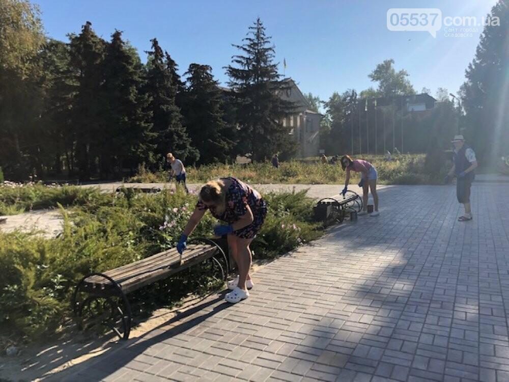 Сегодня в Скадовске наводили порядок возле порта и в центре города, фото-4
