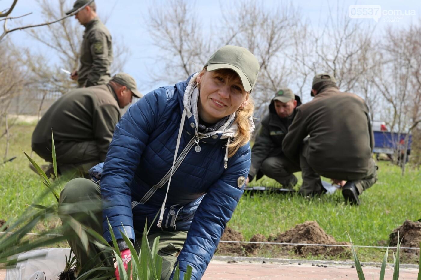 На скадовском Джарылгаче высадили деревья (ФОТО), фото-3