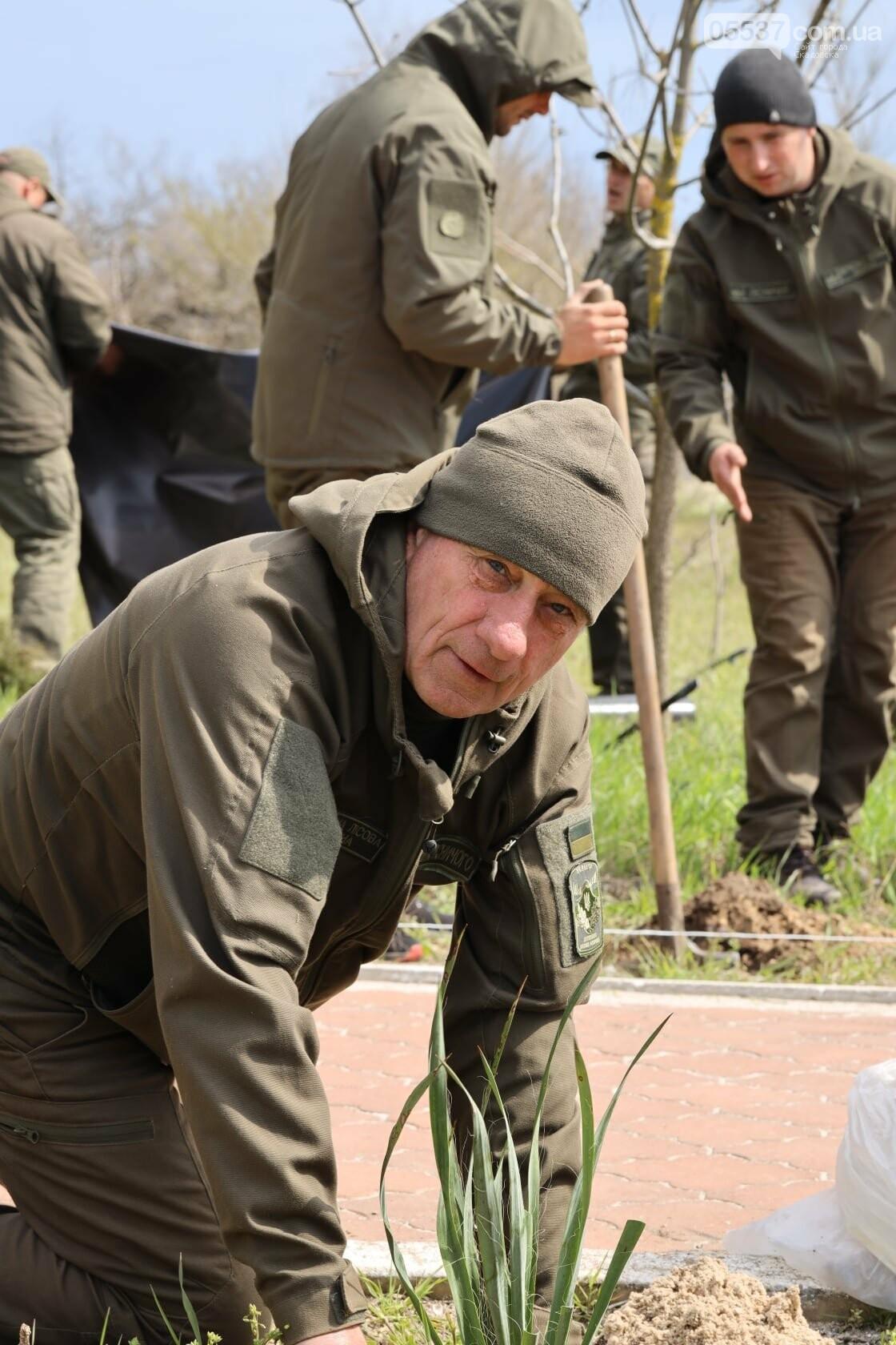На скадовском Джарылгаче высадили деревья (ФОТО), фото-8