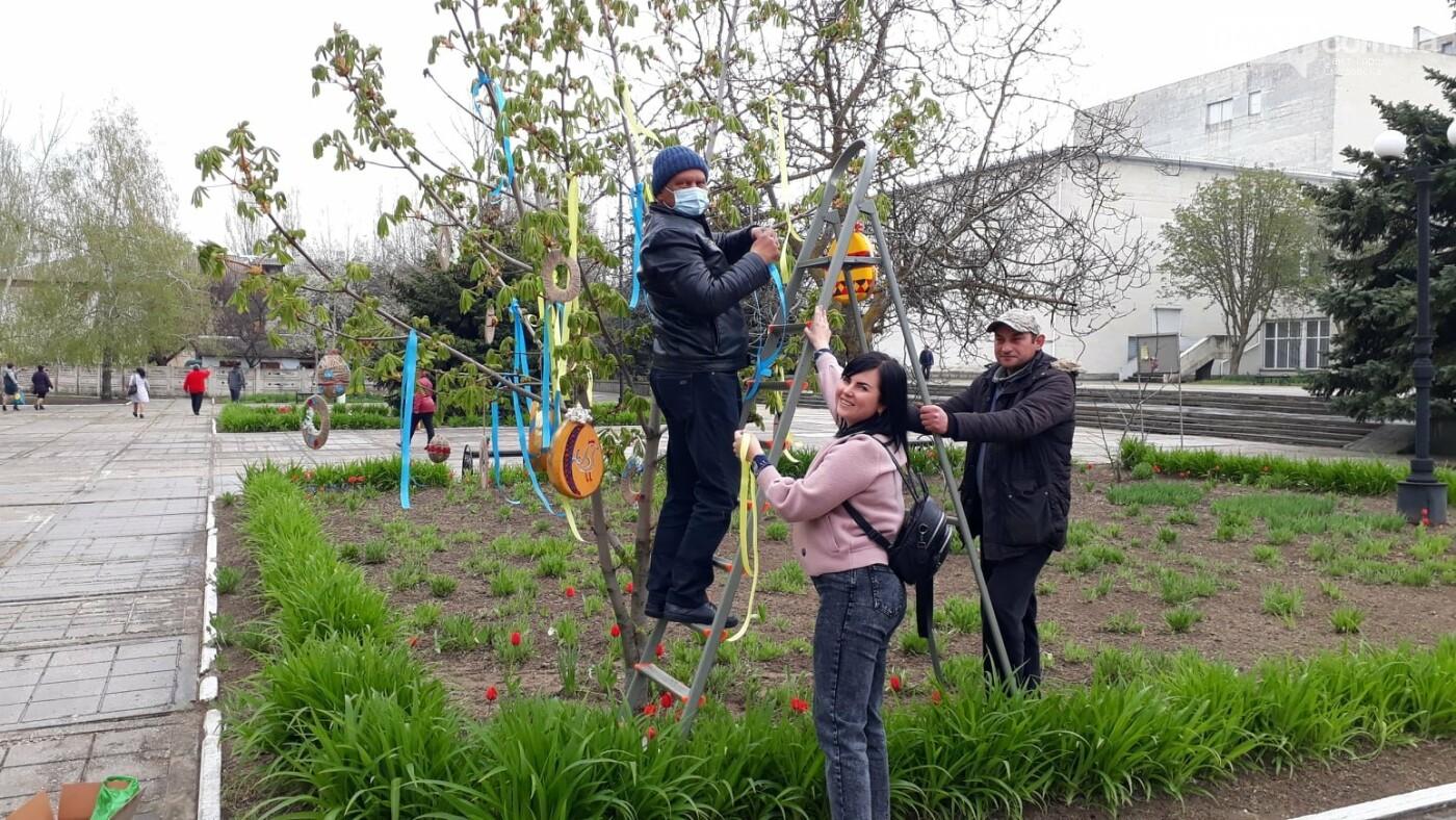 В Скадовске появились необычные деревья (ФОТО), фото-5